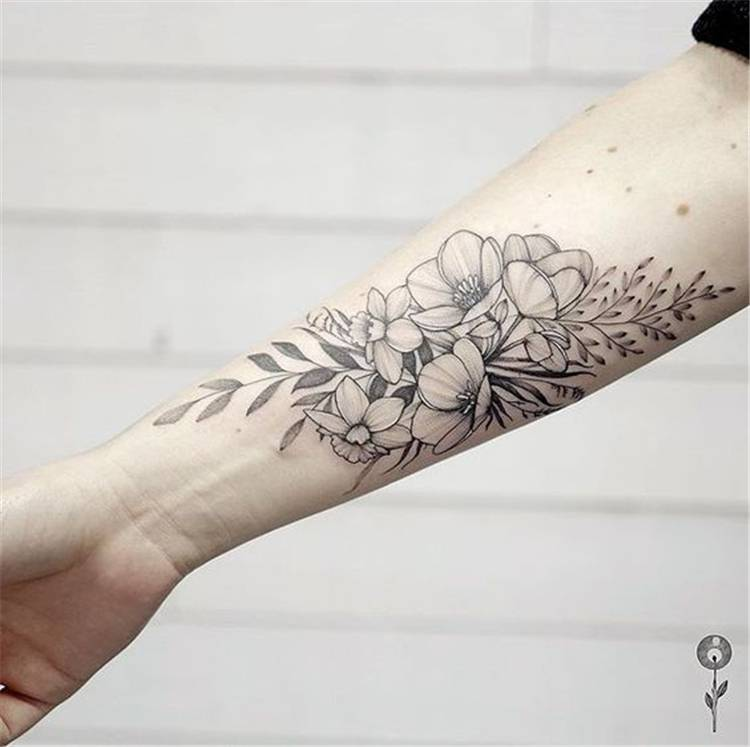Arm Floral Tattoo Designs For Women; #Floral Tattoo; #Arm Tattoo; #Arm Floral Tattoo; #Tattoo; Tattoo Designs; #Arm Floral Tattoo Designs; Flower Tattoo; #Arm Flower Tattoo; Chic And Sexy Arm Floral Tattoo Designs You Must Know