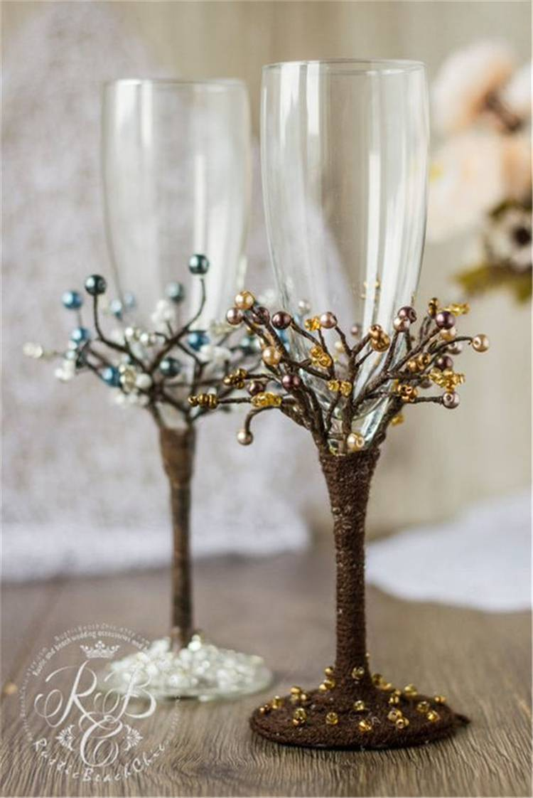 Elegant Wedding Champagne Glasses Decoration Ideas For A Perfect Rustic Wedding; Rustic Wedding; Wedding Glasses; Wedding Champagne Glasses; Champagne Glasses; Elegant Wedding; #rusticwedding #rustic #weddingglasses #champagneglasses #glassdecoration
