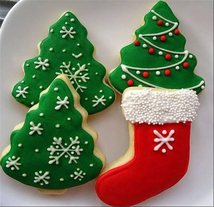 Cute And Easy DIY Christmas Cookies You Need To Copy For The Coming Holiday; Christmas Cookies; Cookies; Cute Cookies; Santa Cookies; Ginger Man Cookies; Reindeer Cookies; Snowfleak Cookies; Snowman Cookies; Christmas Tree Cookies; #Christmas #Christmascookies #ChristmasDIY