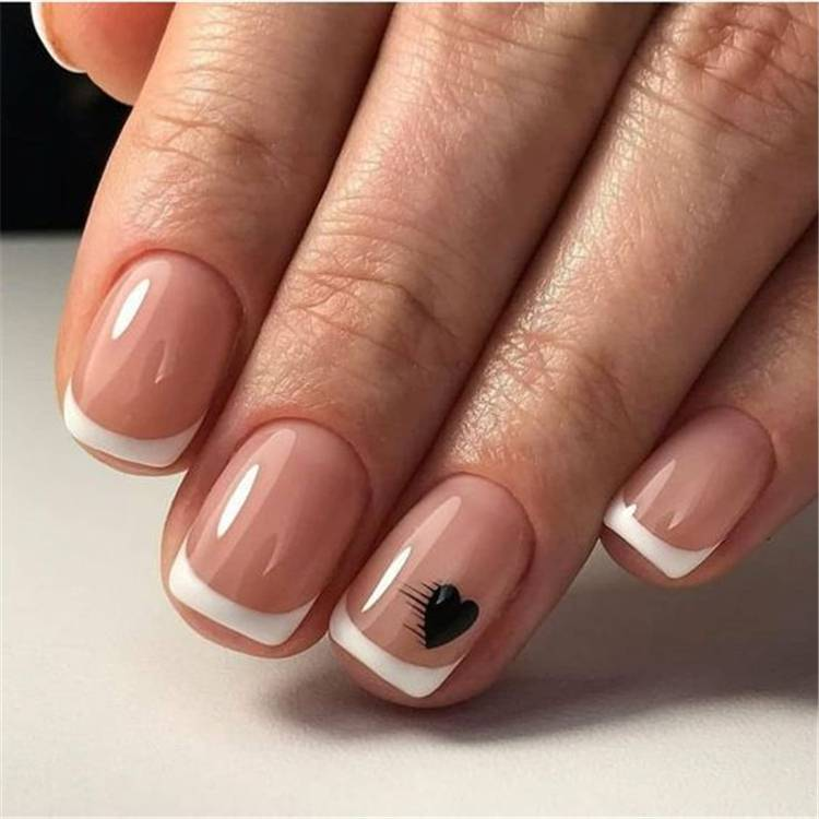 Stylish Winter Short Square Nail Designs To Copy This Season; Winter Nails; Stylish Nails; Short Square Nails; Square Nails; Acrylic Nails; Square Acrylic Nails; Winter Square Nails; #squarenail #shortnails #squareshortnails #nails #winternails #winter