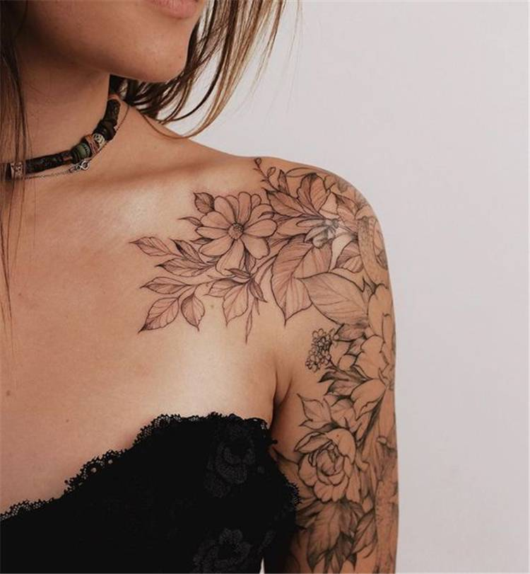Gorgeous And Exclusive Shoulder Floral Tattoo Designs You Dream To Have; Floral Tattoo; Shoulder Tattoo; Floral Shoulder Tattoo; Rose Tattoo; Rose Shoulder Tattoo; Flower Tattoo; #floraltattoo #shouldertattoo #floralshouldertattoo