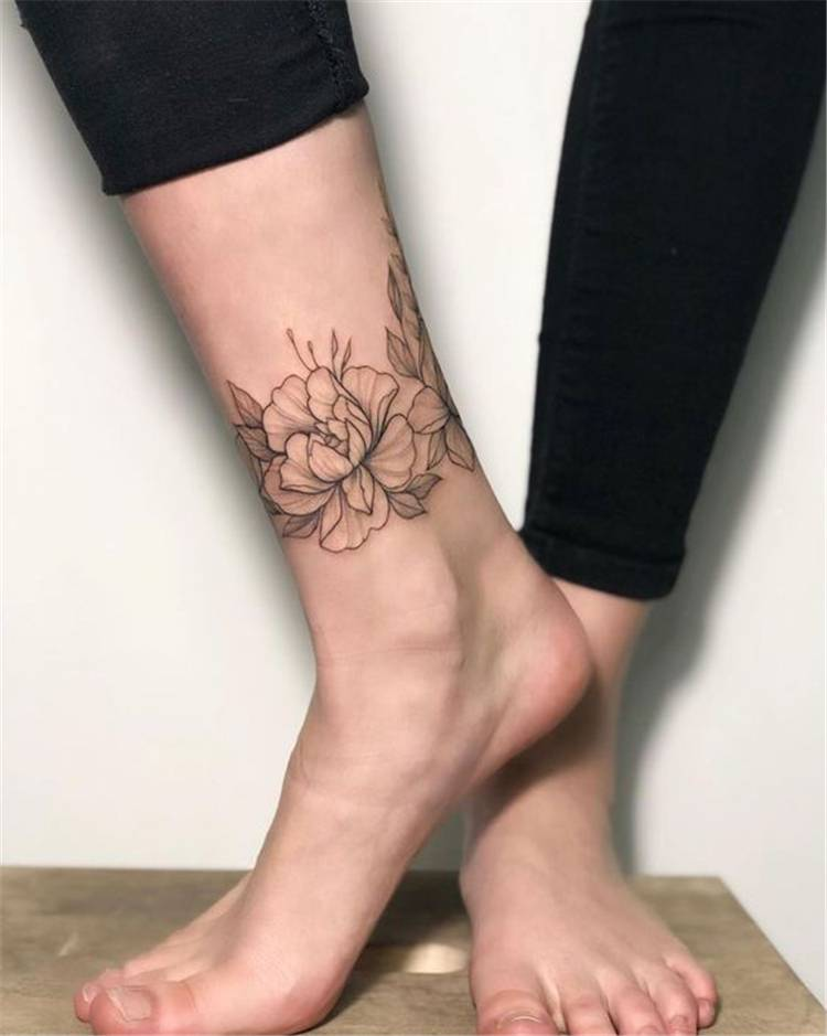 Gorgeous And Stunning Ankle Floral Tattoo Ideas For Your Inspiration; Ankle Tattoos Ideas for Women;Flower Anklet Tattoo;Ankle Tattoos Concepts for Girls;Simple Ankle Tattoo Designs;Floral Ankle Tattoo Designs;Floral Ankle Tattoos;Small Ankle Tattoos #floraltattoo #ankletattoo #anklefloraltattoo #tattoo #floral