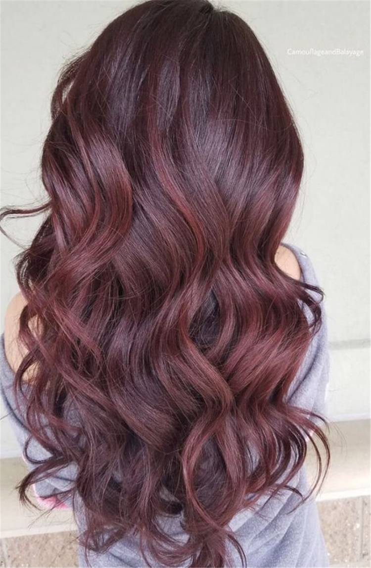 Best Burgundy Hair Color And Designs For Your Inspiration; Burgundy Hair; Burgundy Hair Color; Burgundy Hair Designs; Burgundy; Burgundy Color; Woman Hair Color; Chic Hair Color; Gorgeous Hair Color; #haircolor #burgundyhaircolor #burgundycolor #burgundyhair #hairstyle #chichairstyle
