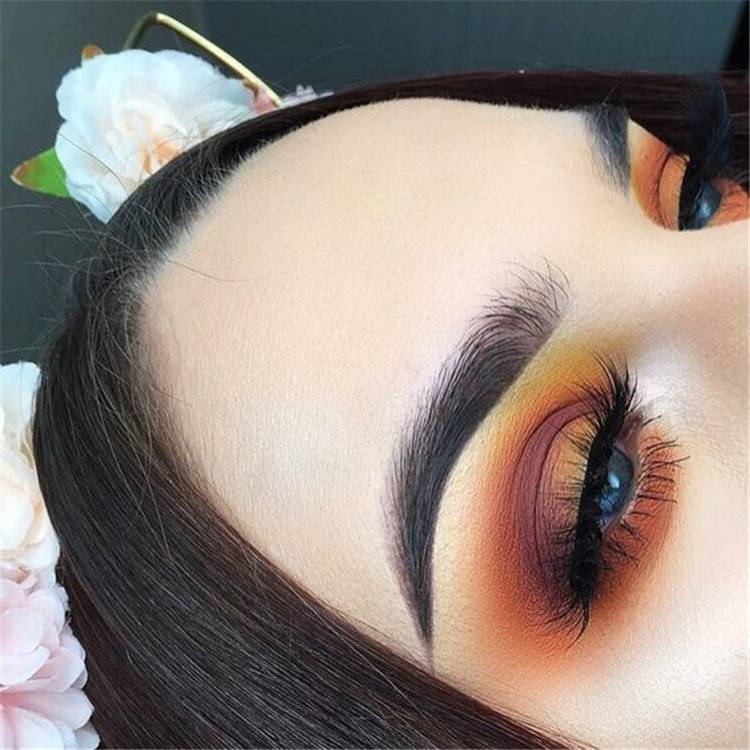 Sexy And Gorgeous Eye Shadow Ideas You Must Try 2020;Valentines Day Eye Makeup;Fashionable Eye Makeup Ideas;Fashionable Eye Makeup;Smoking Eyes;Somking Eyes Makeup;Color Eye Shadows;Glitter Eye Shadows;Long Eyelashes;Curl Eyelashes;Thick Eyelashes;#makeup#eyemakeup#valentine'smakeup#gorgeousmakeup#sexymakeup