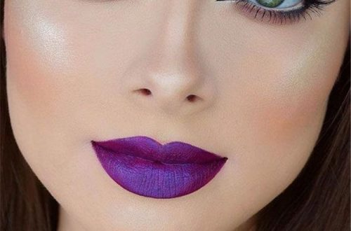 Stunning Purple Lipstick Makeup Ideas For You; Stunning Makeup Looks; Purple Lipstick; Purple Lips; Purple Lips Makeup; Purple Makup Looks; Stunning Purple Lipstick; #purplelipstick #purplelipstickmakeup #makeup #makeuplooks