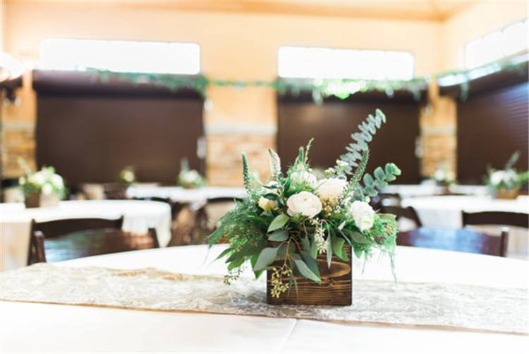 Wedding Centerpieces Decoration Ideas On A Budget; Wedding Decoration;Wedding Centerpieces; Centerpieces Decoration Ideas; Wedding Centerpieces Decoration #weddingdecoraiton #weddingcenterpiece #weddingideas