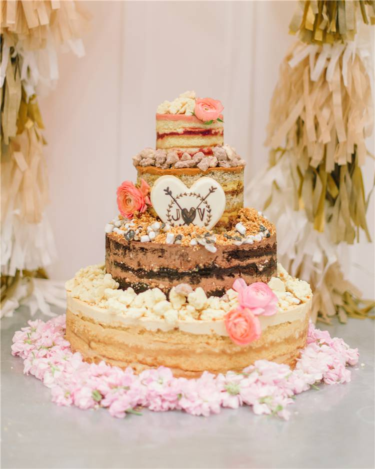 Gorgeous Wedding Cakes For Your Inspiration; Wedding Cakes; Floral Wedding Cakes; Floral Cakes; Romantic Cakes; #weddingcake #floralweddingcake #cake #weddingart