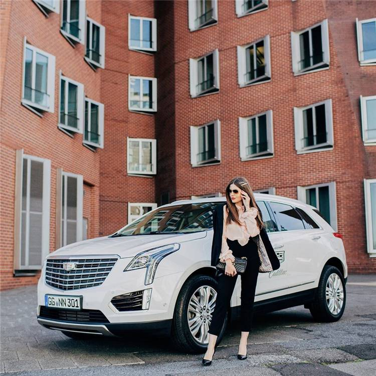 Top Luxury Vehicles Women Executives Would Love; Luxury car; Luxury sports car; Fancy Car; Audi; BMW; Mercedes Benz G Wagon; Stunning Car; Pink Car; Race Car; #luxurycar #womencar #carforwomen #luxurysportscar