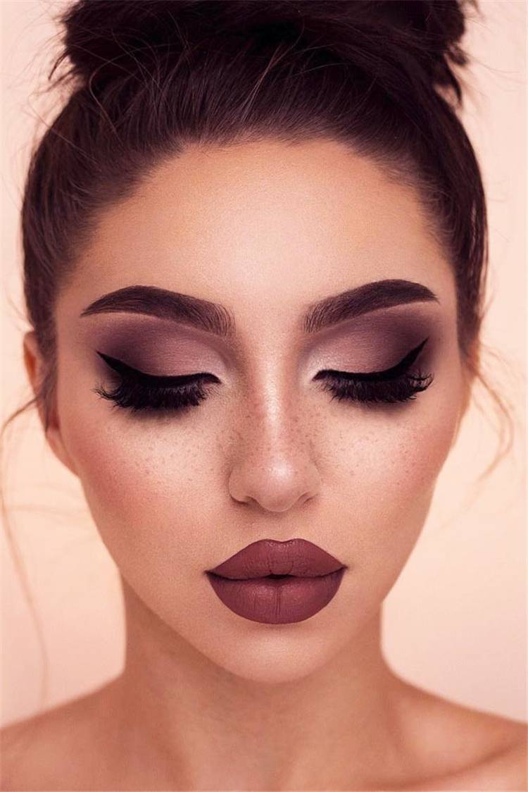 Bold Smokey Eye With Different Lipstick Colors Makeup Looks; Smokey Eye; Lipstick Colors; Makeup Looks; Bold Makeup Looks; Smokey Eye Makup; #makeup #smokeyeye #lipstickcolor #lipstickmakeup