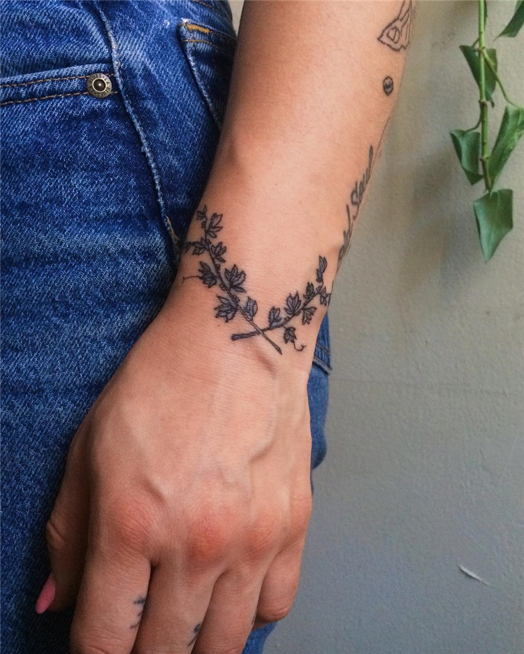 Wrist Tattoo; Wrist Tattoo Design; Tattoo; Tattoo Design; Small Tattoo; Tiny Tattoo; Floral Tattoo; #wristtattoo #tattoo #tattoodesign #smalltattoo