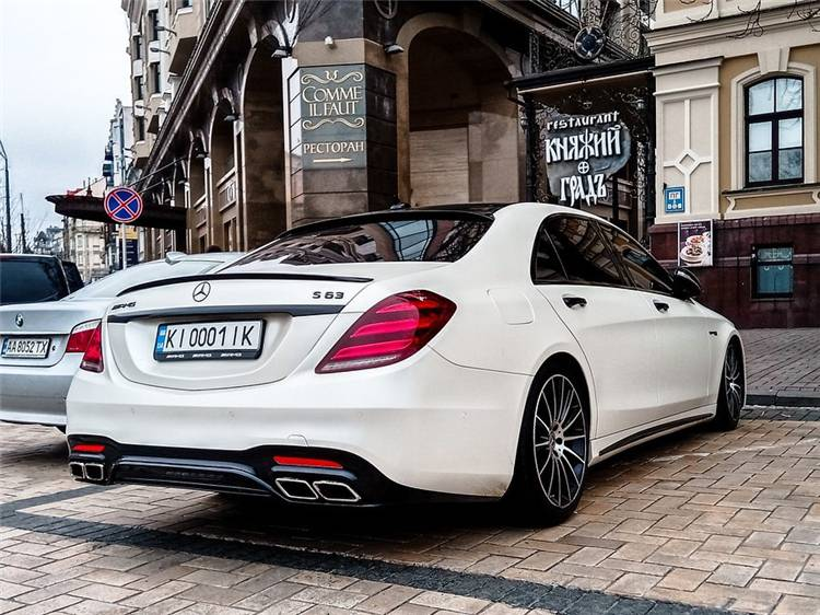 Facts For Women To Know And Love Mercedez Benz ; Luxury car; Luxury sports car; Fancy Car; Audi; BMW; Mercedes Benz G Wagon; Stunning Car; Pink Car; Race Car; #luxurycar #womencar #carforwomen #luxurysportscar #benz #mercedesbenz