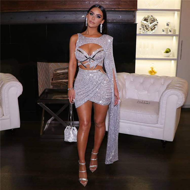 How To Pick Up The Sexy Club Outfit For A Night Out; Sexy Outfits; Club Outfits; Night Club Outfits; Outfits; Mini Skirt Outfits; Sexy Club Outfits; Clubbing Outifts; #outfits #sexyoutfits #cluboutfits