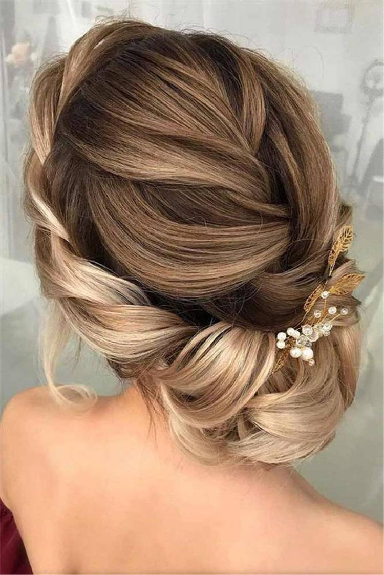 Gorgeous And Stunning Wedding Updo Hairstyles For Long