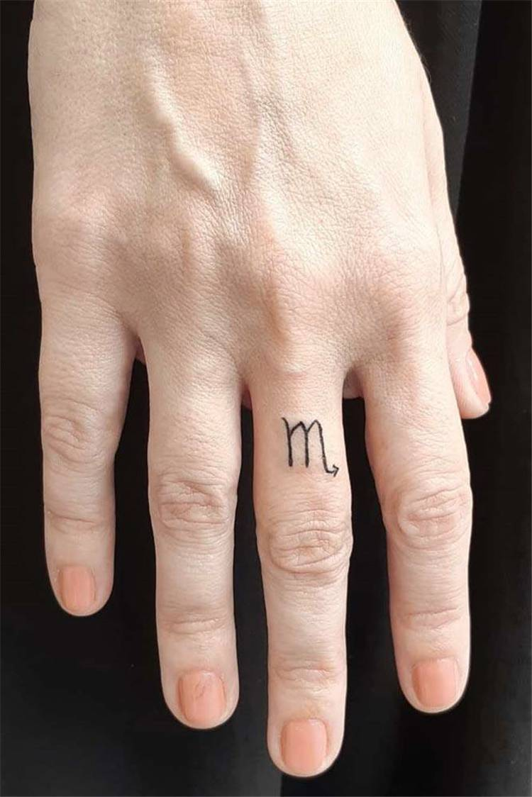 Gorgeous And Amazing Finger Tattoo Ideas; Finger Tattoo; Small Finger Tattoo; Tattoo; #fingertattoo #smalltattoo #tattoo