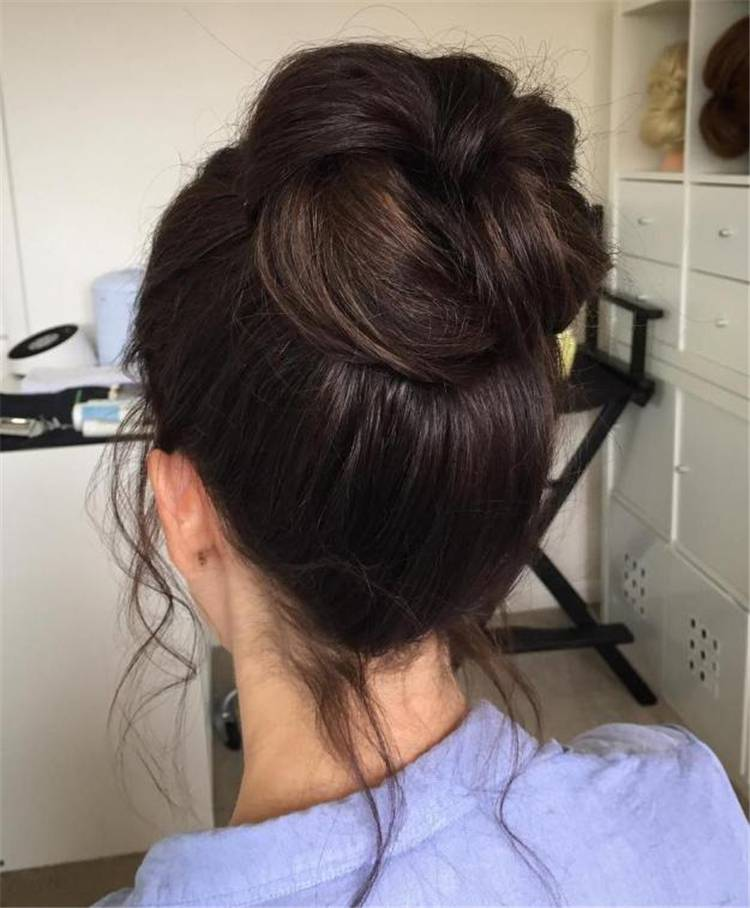 Messy Bun Hairstyles To Make You Look Casual And Gorgeous; Messy Bun; Messy Hairstyle; Hairstyle; Casual Hairstyle; Messy Bun Hairstyle; Gorgeous Hairstyle; #messybun #bunhairstyle #hairstyle #messyhairstyle