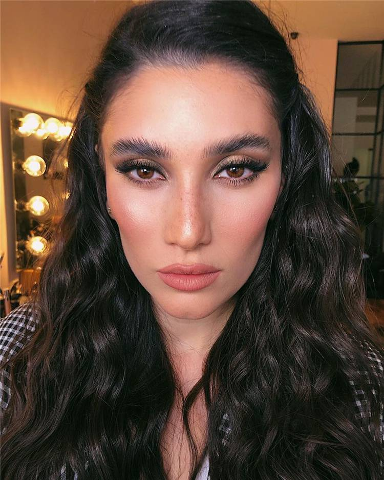 Natural Makeup Trends You Should Know In 2020; Makeup Looks; Makeup Ideas; Natural Makeup; Natural Makeup Looks; Seasonal Makeup Looks; Makeup Trends#makeup#makeuplooks#naturalmakeup#naturalmakeuplooks