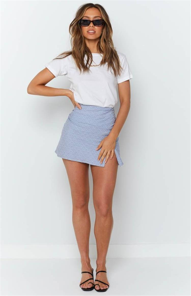 Pretty And Cool Summer Outfits You Must Have In Your Wardrob; Summer Outfits; Outfits; Cool Outfits; Summer Shorts; Summer Dress; Summer Jeans; Summer Skirt; #summeroutfits#outfits#summerjeans#cooloutfits #skirt