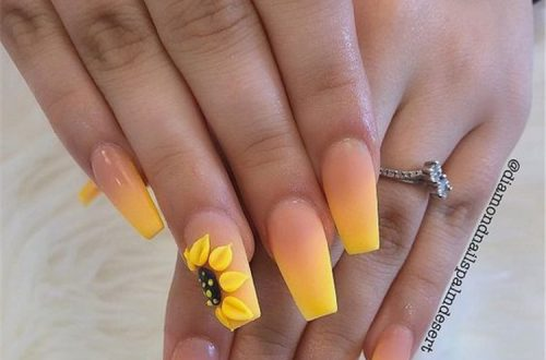 Gorgeous And Stunning Floral Nail Designs You Should Copy Right Now; Floral Nails; Lovely Nails; Nails; Square Nails; Nail Design; Flower Nails; Cherry Blossom Nails; Lily Nails; Sunflower Nails; Daisy Nails; #nails #springnail #flowernails #squarenail #naildesign #floralnails