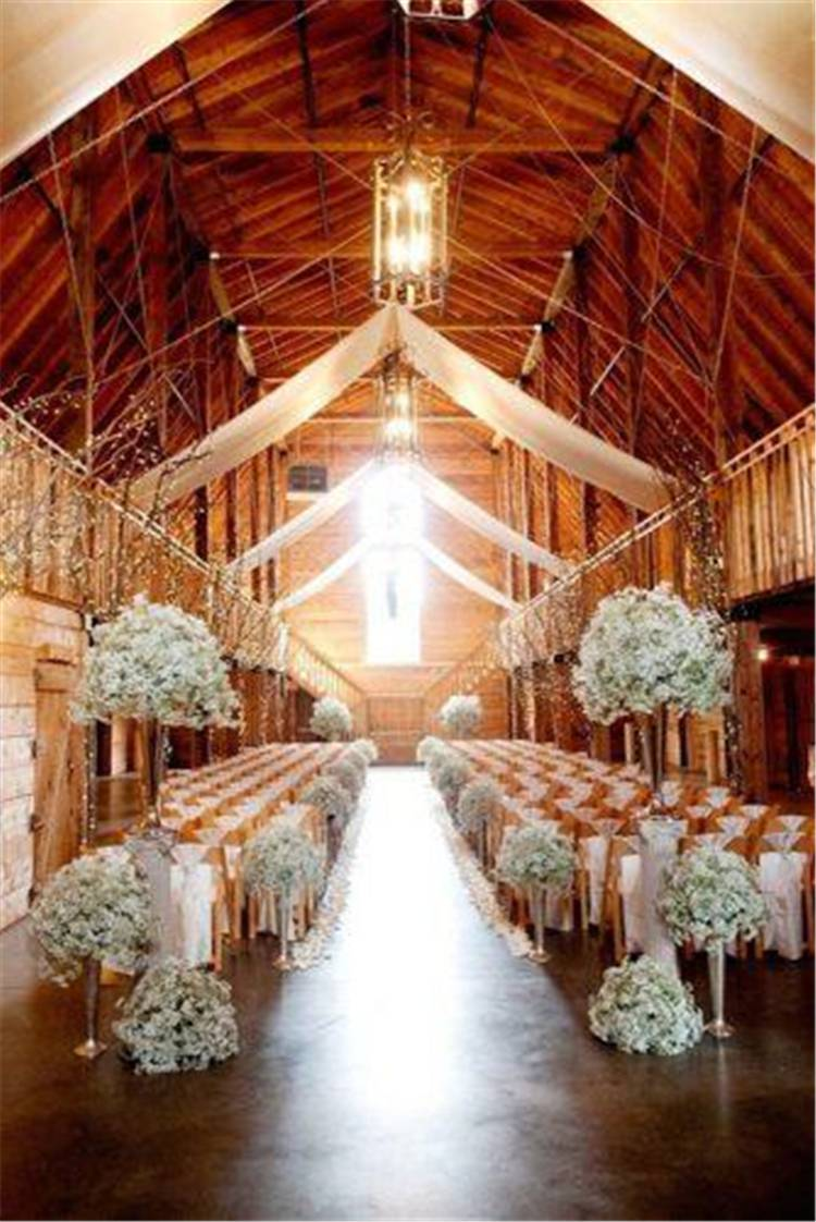 5 Things About The Rustic Indoor Wedding Decoration For Your Inspiration; Indoor Wedding; Wedding; Wedding Ceremony; Wedding Decoration; Rustic Wedding; Rustic Wedding Decoration; Rustic Decoration; Wedding Decor; #indoorwedding #rusticwedding #rusticindoorwedding #wedding #weddingdecoration