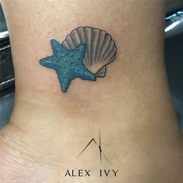 Tiny Summer Tattoo Ideas For Your Inspiration; Tiny Tattoo; Tattoo; Summer Tattoo; Tattoo Ideas; Small Tattoo; Watermelontattoo; #summertattoo #tattoo #tinytattoo #smalltattoo