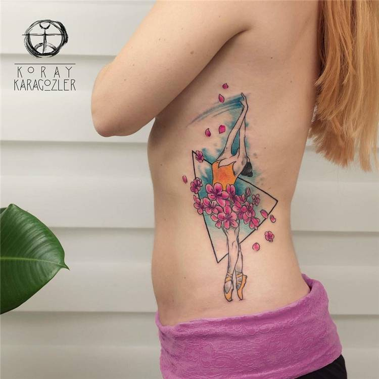 Cute And Pretty Watercolor Tattoo Ideas You Would Love; Watercolor Tattoo; Watercolor Tattoo Ideas; Tattoo; Floral Watercolor Tattoo; Ankle Watercolor Tattoo; Back Watercolor Tattoo; Arm Watercolor Tattoo; Leg Watercolor Tattoo; High Thigh Watercolor Tattoo; Shoulder Watercolor Tattoo; #watercolortattoo #tattoo #floraltattoo #floralwatercolortattoo #shoulderwatercolortattoo