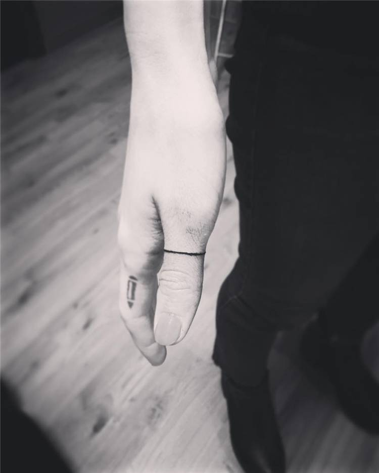 Tiny And Gorgeous Finger Tattoo Designs You Would Love; Finger Tattoo; Tiny Finger Tattoo; Tattoo;#fingertattoo#smalltattoo#tattoo #tinytatoo #tinyfingertattoo