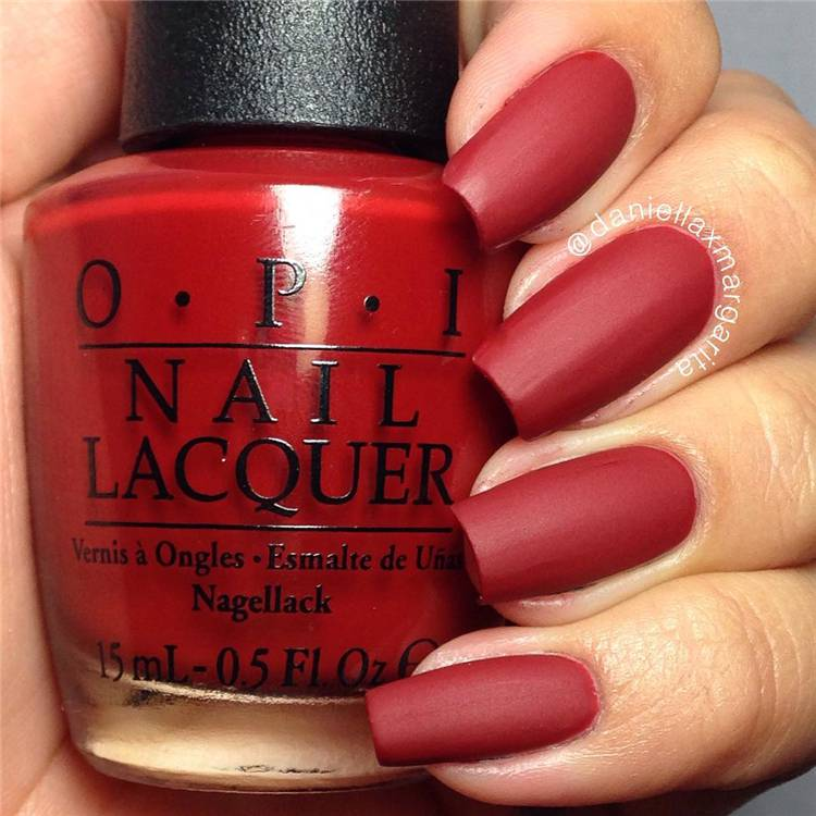 Trendy Red Nail Designs You Must Have This Year; Red Nail; Red Nail Design; Matte Red Nails; Floral Red Nails; Glitter Red Nails; Trendy Red Nails; Nails; Nail Design; #rednails #rednaildesign #glitterrednails #matterednails #nail #naildesign