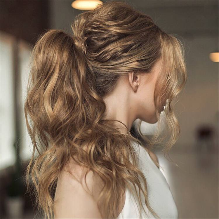 Gorgeous And Elegant Wedding Hairstyles For Your Big Day; Wedding Hairstyle; Hairstyle; Updo Hairstyles; Half Up Half Down Hairstyle; Ponytail; Messy Updo Hairstyle; Fishtail Hairstyle; #weddinghair #weddinghairstyle #hairstyle #updo #weddingupdo #updohairstyle #halfuphalfdownhairstyle #fishtailhairstyle