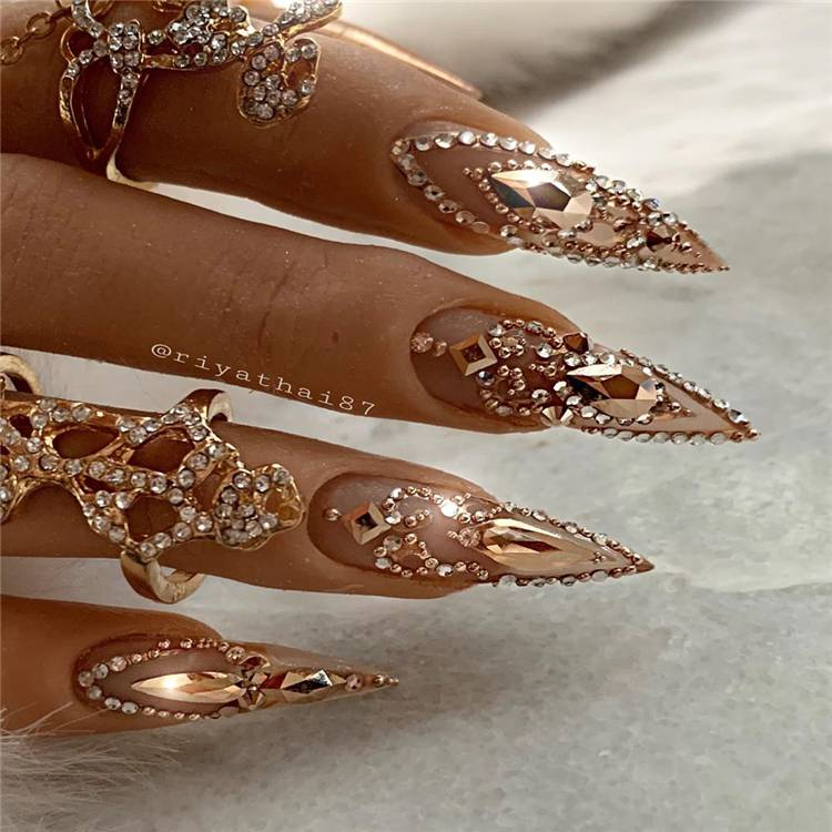 Stunning Acrylics Stiletto Nails You Need To Copy ASAP; Stiletto Nail Designs; Glitter Stiletto Nail; Ombre Stiletto Nail; Simple Stiletto Nail; Acrylic Stiletto Nail; Summer Nails; Summer Stiletto Nails Designs; Matte Stiletto Nails; #stilettonails #mattestilettonails #ombrenails #simplenails #acrylicstilettoonails #stiletto #stilettodesign