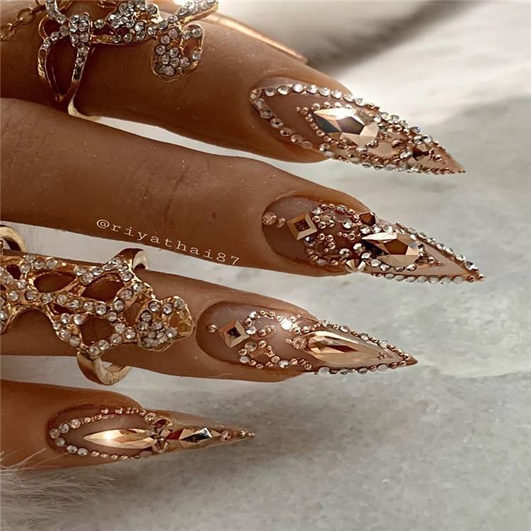 Stunning Acrylics Stiletto Nails You Need To Copy ASAP; Stiletto Nail Designs; Glitter Stiletto Nail; Ombre Stiletto Nail; Simple Stiletto Nail; Acrylic Stiletto Nail; Summer Nails; Summer Stiletto Nails Designs; Matte Stiletto Nails; #stilettonails #mattestilettonails #ombrenails #simplenails #acrylicstilettoonails #stiletto #stilettodesign