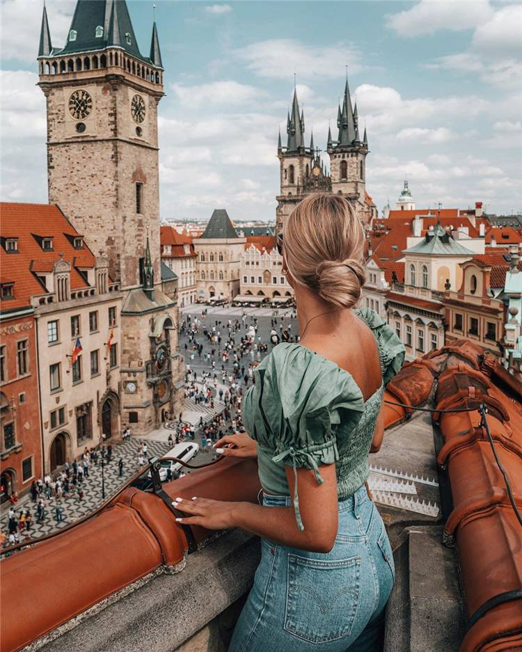 Most Instagrammable Spots In Prague You Can't Miss; Prague; Travel Guide; Prague Travelling; Instagrammable Spots In Prague; Prague Guide; Charles Bridge; Prague Castle; Old Town Hall; Church; #prague #pragueguide #travelinprague #charlesbridge #praguecastle #church #oldtownhall
