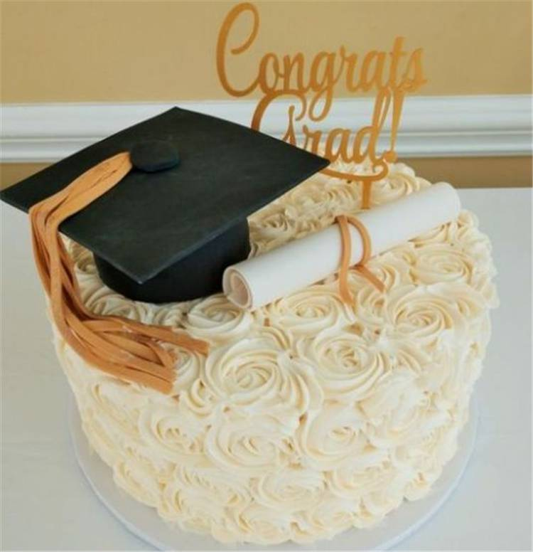 Wonderful Graduation Party Decoration Ideas You Need To Know; Graduation Party; High School Graduation Party; Graduation Party Decoration; Graduation Party Decoration Ideas; Budget Graduation Party Decoration; Party Decoration Ideas; #graduation #graduationdecor #graduationparty #partydecor #highschoolgraduation #budgetgraduationpartydecoration