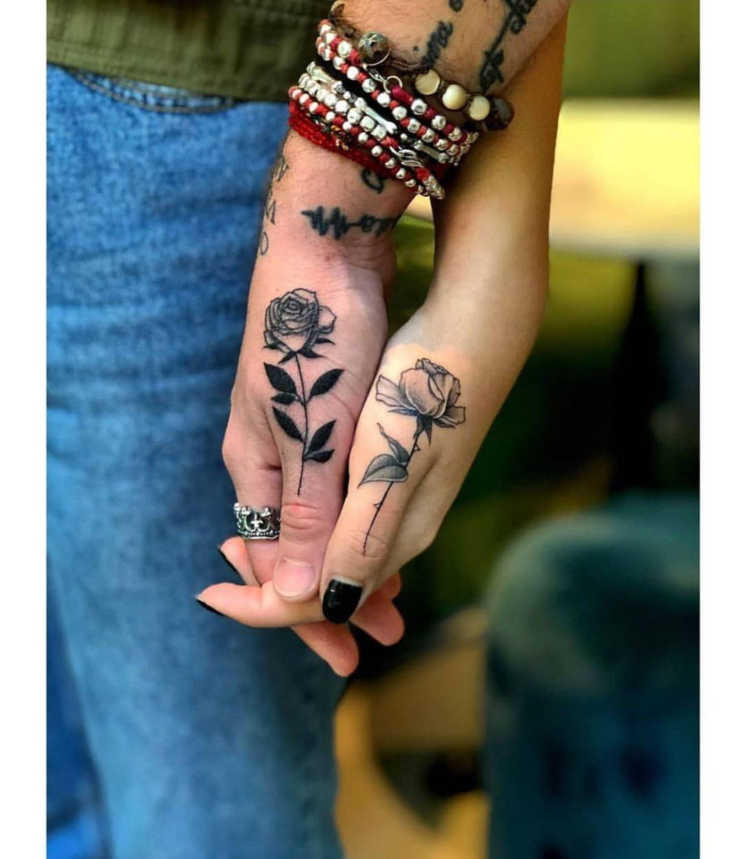 Gorgeous And Incredible Couple Matching Tattoo Designs You Must Try With Your Love; Couple Tattoo Ideas; Couple Tattoos; Matching Couple Tattoos;Simple Couple Matching Tattoo;Tattoos;  #Tattoos #Coupletattoo#Matchingtattoo
