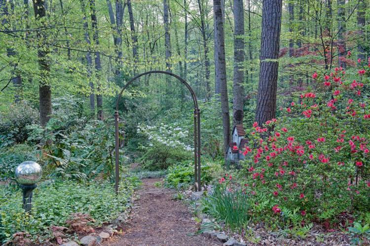 Breathtaking Garden Design Ideas To Give You Inspiration; Home Decor; Garden Decor; Yard Decor; Front Yard Decor; Garden Landscaping Ideas; Front Yard Landscaping; Front Yard; Landscaping Ideas#gardendecor#gardenlandscaping#landscaping#yard#garden#yarddecor