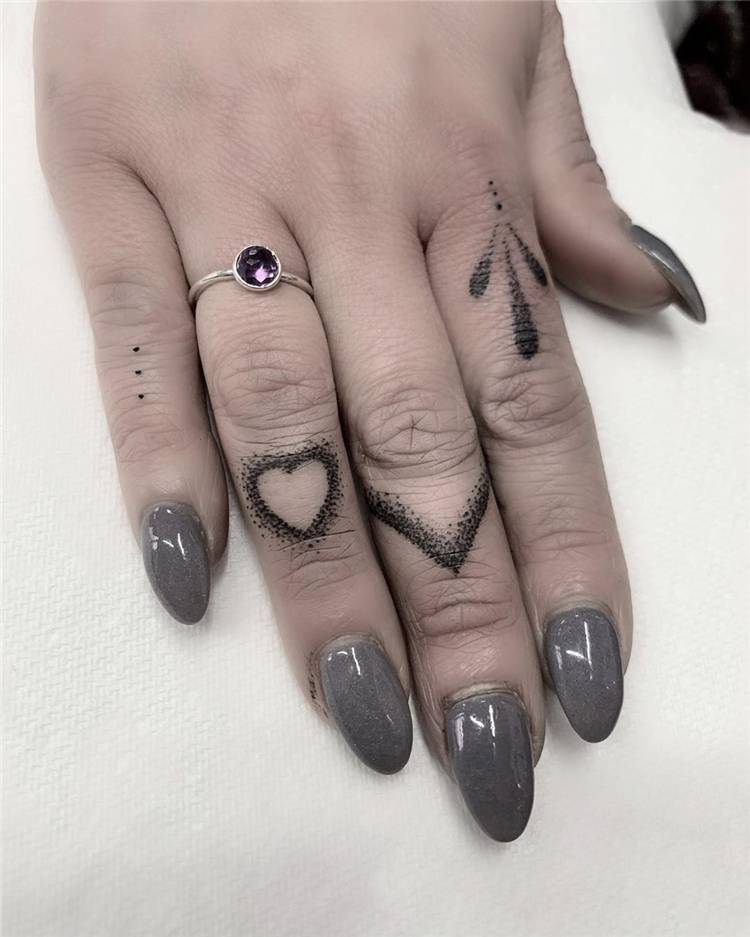Tiny And Gorgeous Finger Tattoo Ideas For Your Inspiration; Finger Tattoo; Tiny Finger Tattoo; Tattoo; #fingertattoo #smalltattoo #tattoo #tinytatoo #tinyfingertattoo