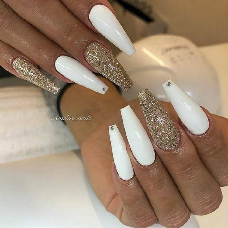 Stunning And Beautiful White Nails You Need To Copy ASAP; Stunning White Nail Art Designs; Beautiful White Nail; White Nail; Nail Art Designs; White Coffin Nail; Square White Nail; Stiletto Nail; Almond Nail #nail#nailart#Coffinwhitenail#blacknail#whitenail #coffinnail #squarenail #stilettonail