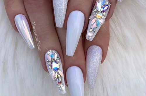Stunning And Beautiful White Nails You Need To Copy ASAP; Stunning White Nail Art Designs; Beautiful White Nail; White Nail; Nail Art Designs; White Coffin Nail; Square White Nail; Stiletto Nail; Almond Nail #nail #nailart #Coffinwhitenail #blacknail #whitenail #coffinnail #squarenail #stilettonail