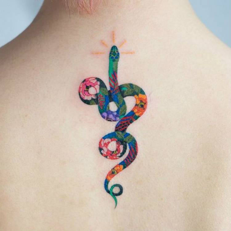 Bold And Gorgeous Snake Tattoo Designs You Would Love; Tattoo; Snake Tattoo; Bold Tattoo; Bold Snake Tattoo; Gorgeous Tattoo; Tiny Tattoo; Sanke Tiny Tattoo; #snaketattoo #boldtattoo #smalltattoo #tinytattoo #tinysnaketattoo #tattoo #tattoodesign