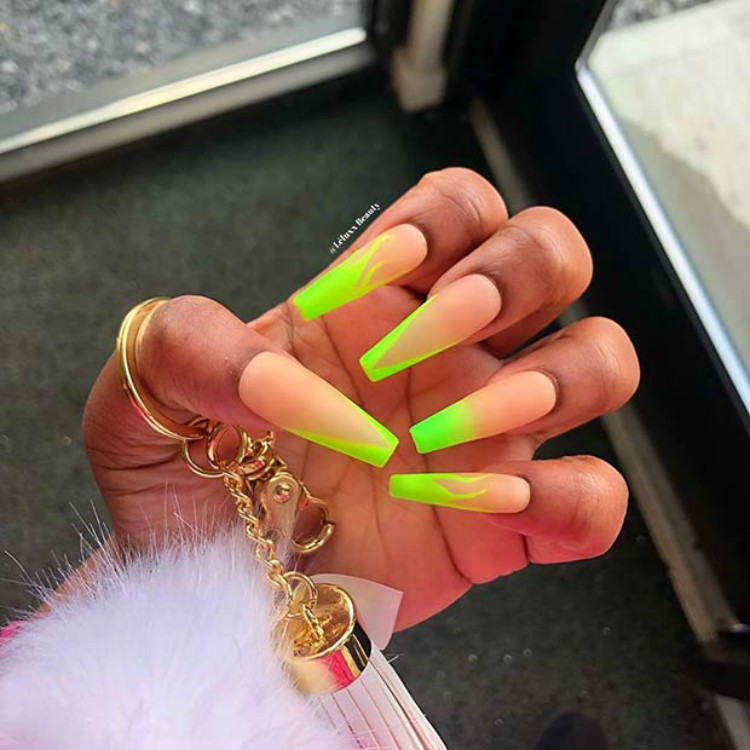 Gorgeous And Sexy Neon Green Nails To Inspire You Everyday; Cute Neon Green Nail Art Designs; Sexy Neon Green Nail; Neon Green Nail; Nail Art Designs; Neon Green Coffin Nail; Square Neon Green Nail; Stiletto Nail; Almond Nail #nail #nailart #CoffinNeongreennail #neongreennail #greennail #coffinnail #squarenail #stilettonail