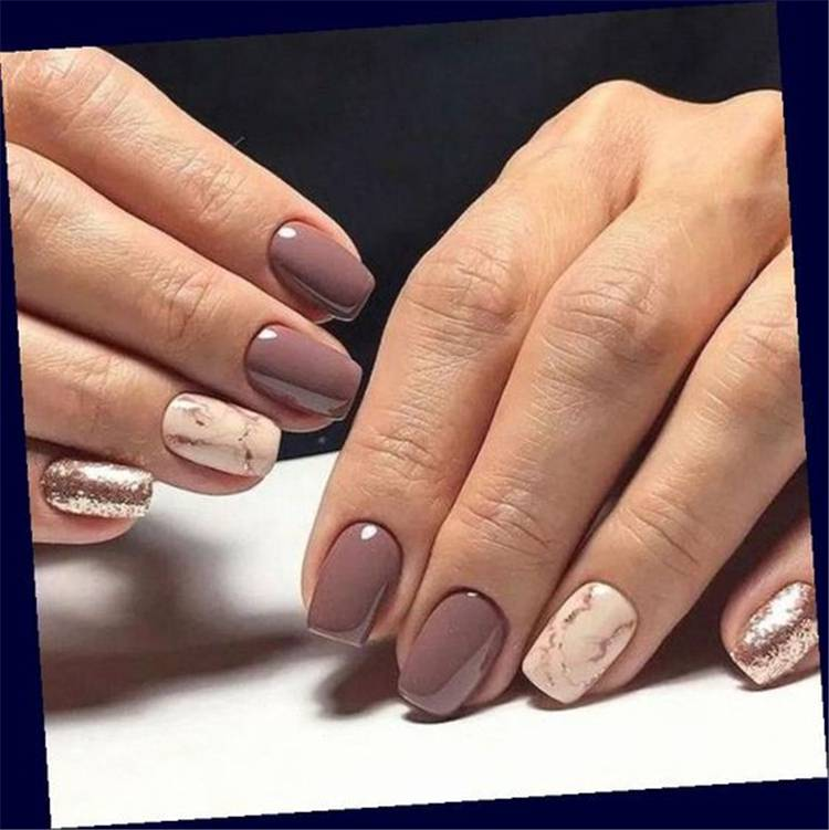 Trendy Short Square Nail Designs You Need To Copy This Fall; Square Nail; Short Square Nail; Nail; Nail Design; Fall Nail; Fall Nail Design; Autumn Nail; Leaf Nail; Glitter Nail; Rhinestones Nails; Marble Nails; #squarenail #shortsquarenail #nail #naildesign #fallnail #autumnnail #glitternail #rhinestonesnails #leafnails