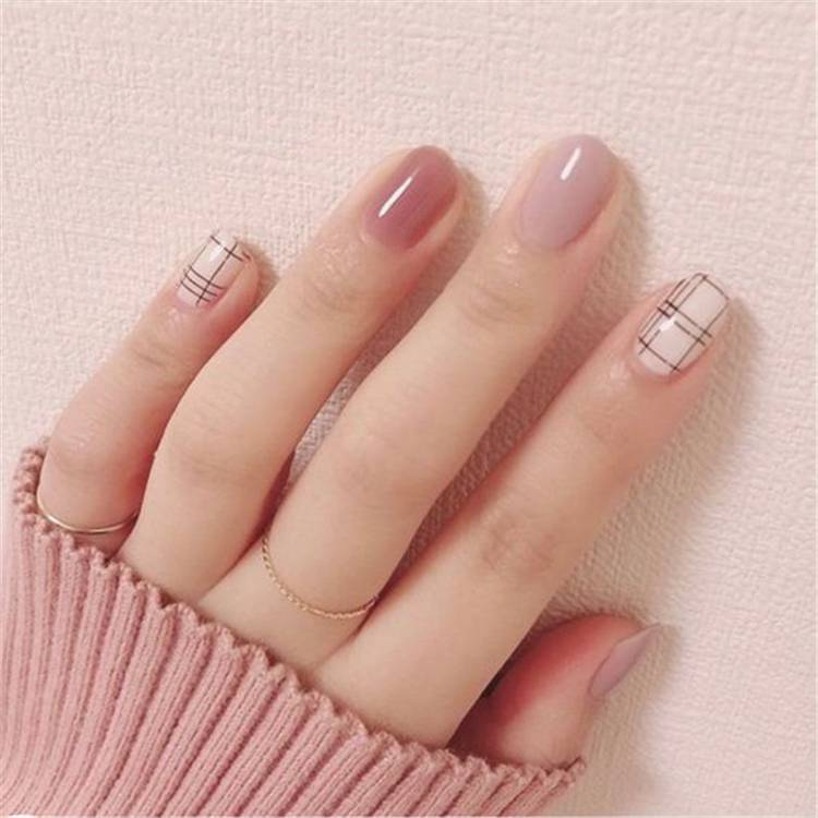 Gorgeous Plaid Pattern Nail Designs For Fall Season; Plaid Pattern; Plaid Pattern Nail; Nail Designs; Nail; Fall Nail; Fall Nail Design; #plaidpatternnail #plaidpattern #nail #naildesign #fallnail #fallnaildesign