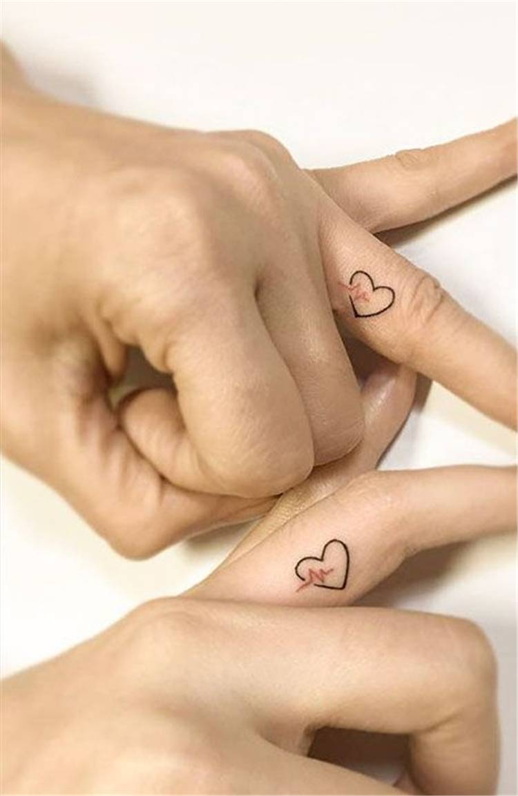 Cute And Stunning Couple Matching Tattoo Designs To Melt Your Heart; Couple Tattoo Ideas; Couple Tattoos; Matching Couple Tattoos; Cute Couple Matching Tattoo;Tattoos;#Tattoos#Coupletattoo#Matchingtattoo #couplematchingtattoo #cutetattoo