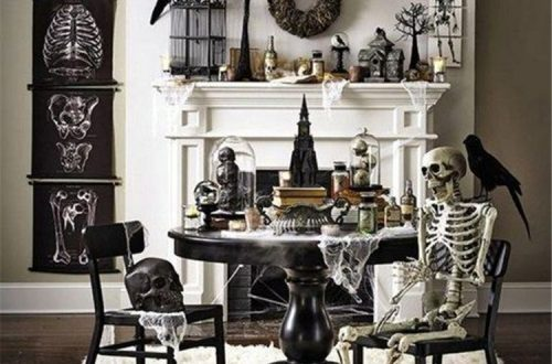 Amazing And Unique Halloween Living Room Decoration Ideas For You; Halloween; Halloween Decor; Halloween Living Room; Living Room Decor; Halloween Living Room Decor; Home Decor; Spider Halloween Decor; Skeleton Halloween Decor; Pumpkin Halloween Decor #halloween #halloweendecor #halloweenlivingroom #livingroomdecor #homedecor #spiderhalloweendecor #skeletonhalloweendecor #pumpkinhalloweendecor
