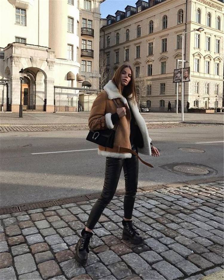 Chic And Classic Winter Outfits You Need To Copy Now; Winter Outfits; Outfits; Winter Coat; Leather Coat; Trench Coat; Faux Fur Coat; Winter Jacket; Winter Sweater #winteroutfit #outfits #trenchcoat #fauxfurcoat #winterjacket #wintersweater #leathercoat