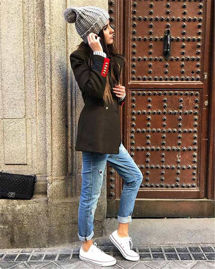 Cute And Glam Winter Outfits To Copy Now; Winter Outfits; Outfits; Winter Coat; Leather Coat; Trench Green Coat; Faux Fur Gilet; Winter Minitary Jacket; Winter Skirt #winteroutfit #outfits #trenchgreencoat #fauxfurgilet #wintermilitaryjacket #winterskirt #leathercoat
