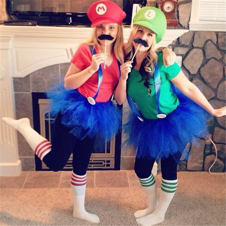 Creative Halloween Costumes For College Girls; Halloween Costumes; Halloween; Halloween Costumes Ideas; Teen Girl Halloween Costumes; College Girl Halloween Costumes; Alien Halloween Costumes; Nun Halloween Costumes; #halloween #halloweencostumes #halloweendesign #teengirlcostumes #collegegirlcostumes #costumes
