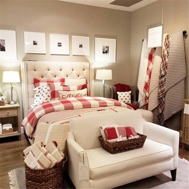 Perfect Winter Bedroom Decoration Ideas For Your Inspiration; Winter Bedroom; Winter Bedroom Decoration; Bedroom Decor; Bedroom Arrangement; Bedroom Paint Color; Bedroom Color; Bedroom Design; #winterbedroom #winterbedroomdecoration #bedroomdecor #bedroompaint #bedroomcolor #bedroomdesign #bedroomarrangement #rusticbedroom #modernbedroom #minimalistbedroom #christmas #christmasbedroom