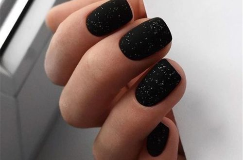 Amazing And Stunning Black Nail Designs You Need To Try; Black Nail; Black Nail Design; Matte Black Nails; Floral Black Nails; Glitter Black Nails; Trendy Black Nails; Nails; Nail Design; #blacknails #blacknaildesign #glitterblacknails #matteblacknails #nail #naildesign