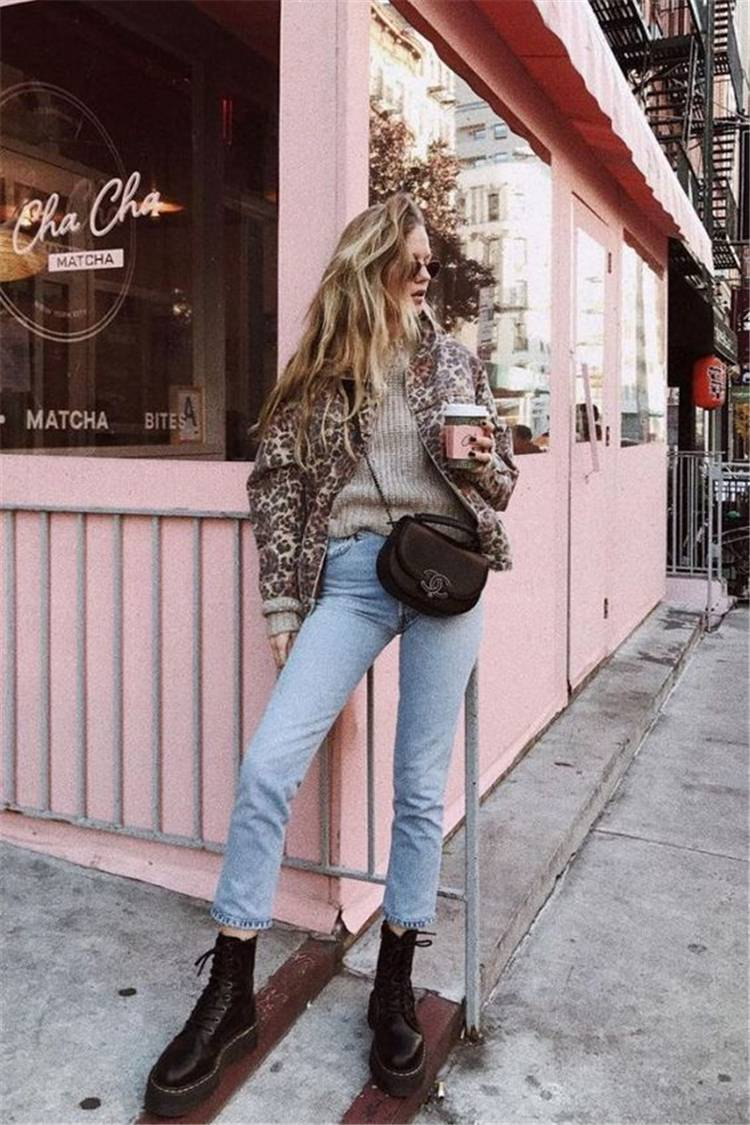 Stylish Winter Outfits With Combat Boots For You; Winter Outfits; Outfits; Combat Boots; Winter Combat Boots; Leather Jacket; Trench Coat; Faux Fur Coat; Oversize Sweater; #winteroutfit #outfits #leatherjacket #fauxfurcoat #oversizesweater #wintercombatboots #combatboots #boots