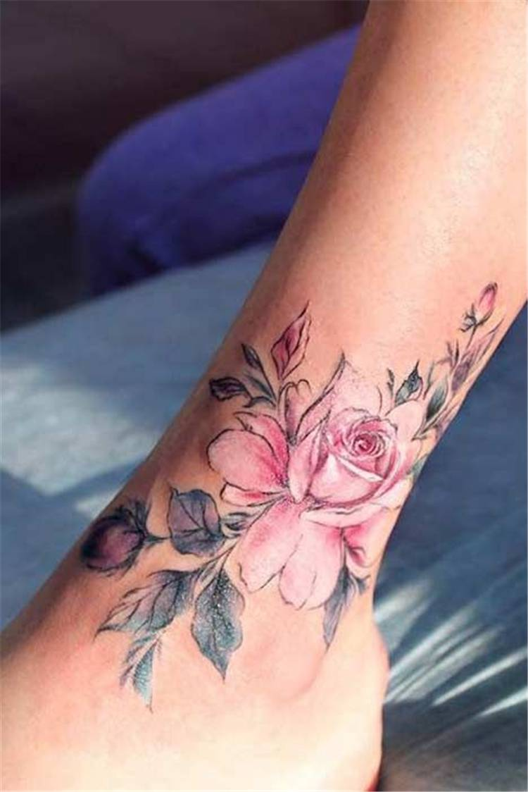 Sexy And Gorgeous Rose Tattoo Designs You Must Love; Rose Tattoo; Tattoo; Finger Rose Tattoo; Ankle Rose Tattoo; Small Rose Tattoo; Foot Rose Tattoo; Collar Bone Rose Tattoo; Arm Rose Tattoo; Shoulder Rose Tattoo; Sleeve Rose Tattoo; #rosetattoo #tattoo #smallrosetattoo #fingerrosetattoo #footrosetattoo #anklerosetattoo